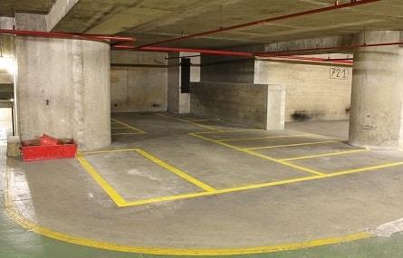 12 parkings pour deux roues avenue d'Italie à Paris