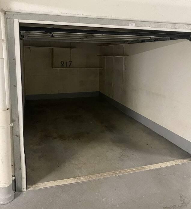 Garage situé rue de la Folie-Méricourt à Paris