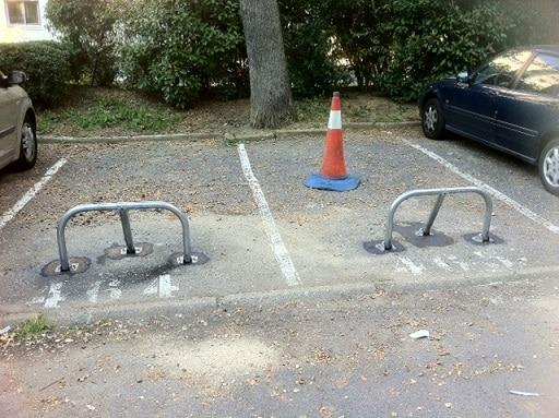 Place de parking extérieure allée des Acacias à Sèvres