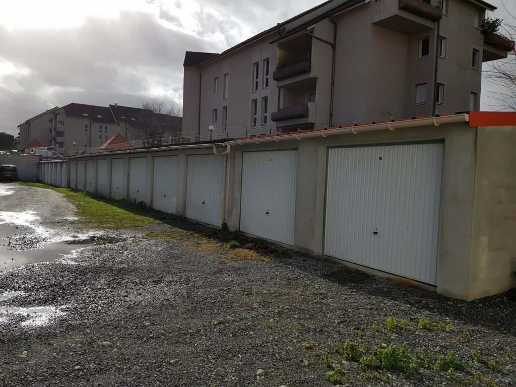 lot de garages en ville